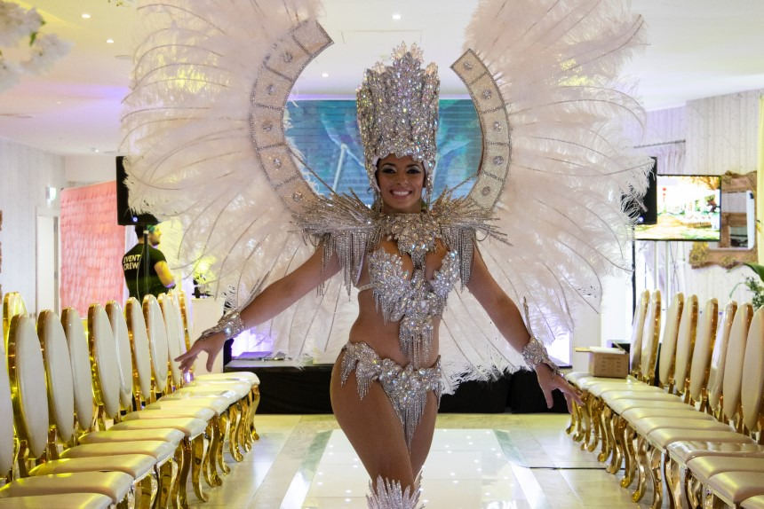 Alma de Cuba Dancer at Wedding Show 2019