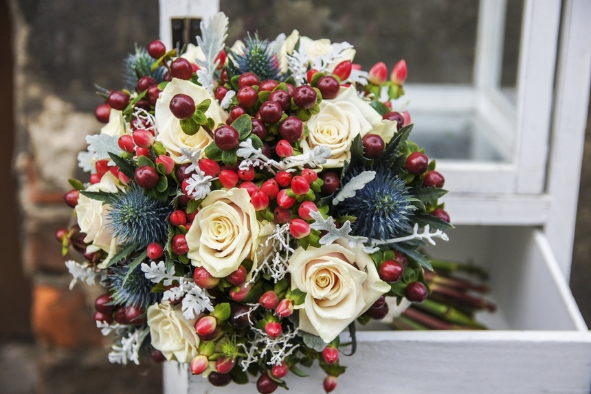 Peachy 8 Magical Winter Wedding Flowers Ideas Signature Living Download Free Architecture Designs Sospemadebymaigaardcom
